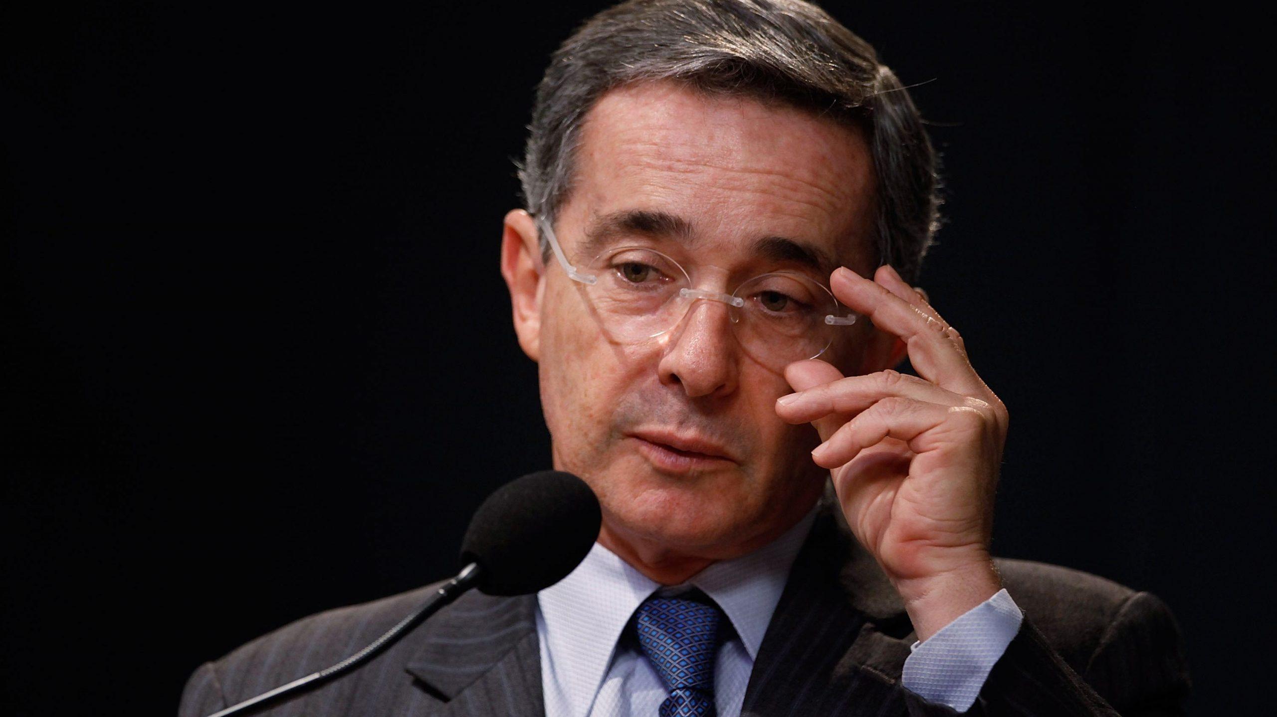 """Álvaro Uribe """"Falsos positivos"""""""