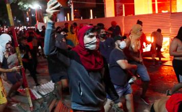 Mnifestantes en Asunción