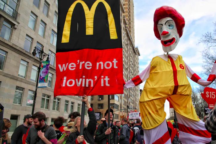 Trabajadores comidas rápidas protesta