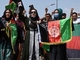 protesta de mujeres en Afganistán
