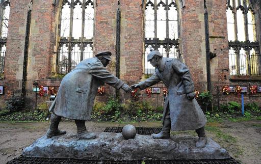 tregua de navidad 1914 monumento